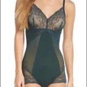 Spanx Spotlight on Lace black bodysuit, L